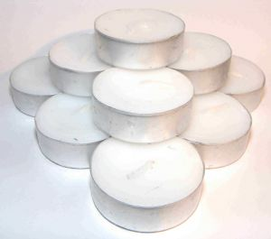 Plain Unfragranced Tealights x 20 (Total 80hrs of burn time - 18p each)